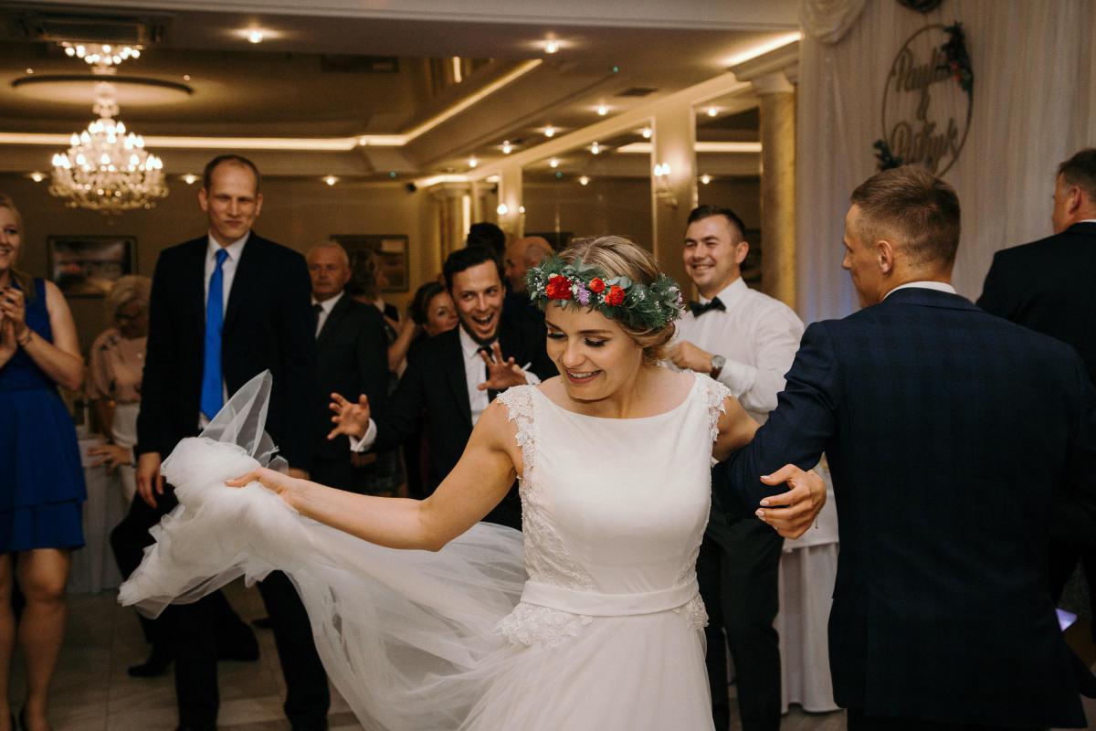 Suknia ślubna w stylu BOHO r. 36/38