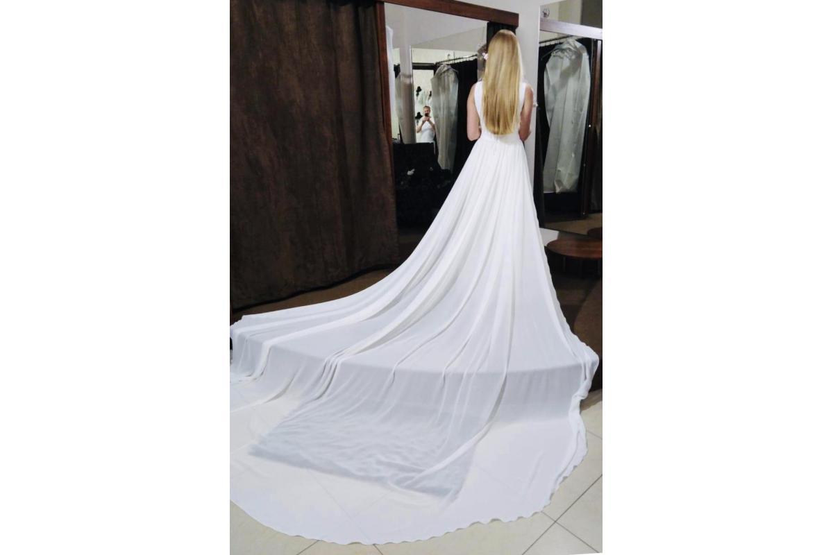 Jedwabna suknia ślubna