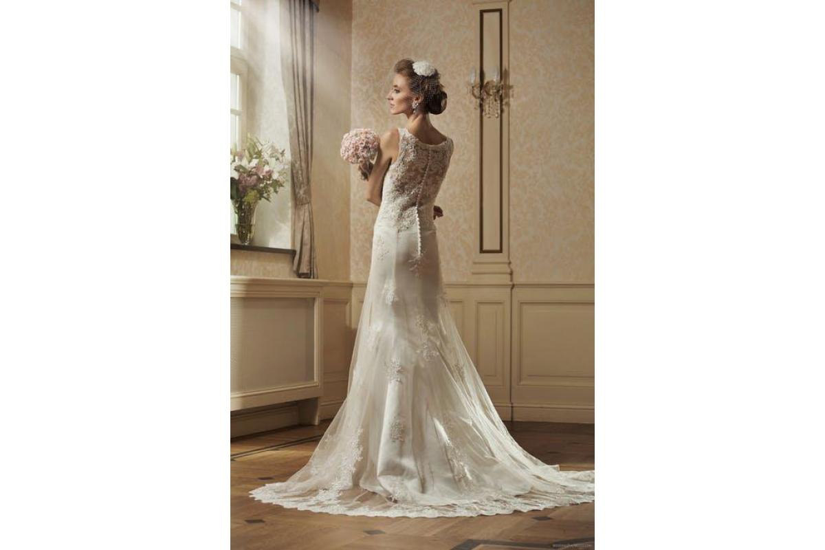Suknia ślubna Annais Bridal model Flora