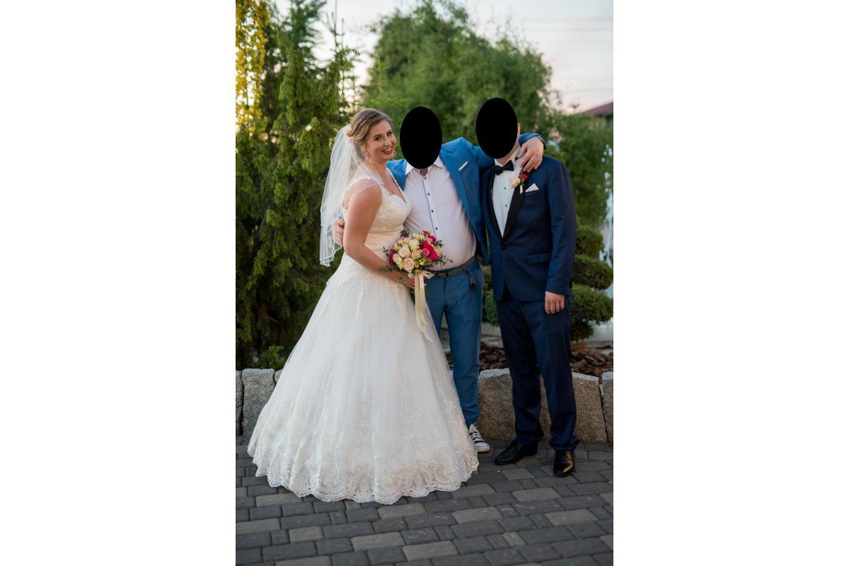 Suknia ślubna 42/44, wyszczuplajacy usztywniany gorset