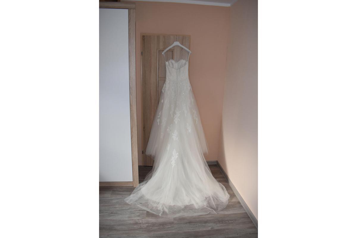 Suknia Ślubna White One Jafit