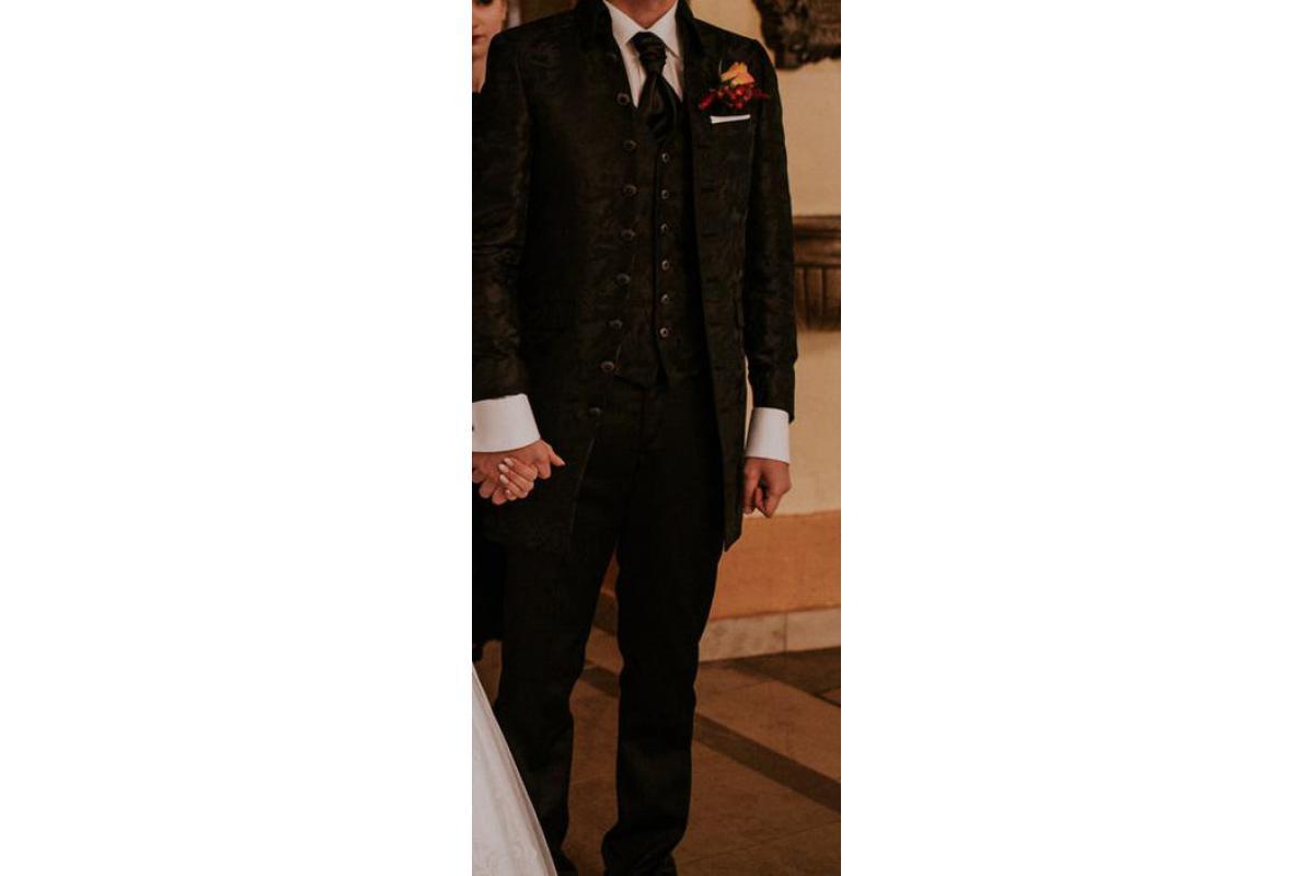 Niemiecki garnitur Wilvorst Tziacco