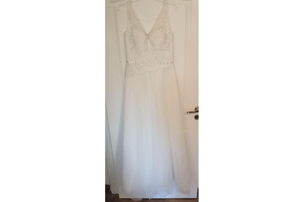 Sprzedam suknię ślubną 38/40 klasyczna