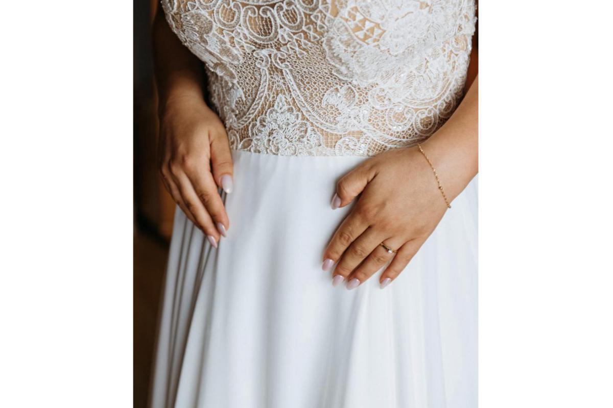 Suknia ślubna z kolekcji Famosa 2019 model Mercedes