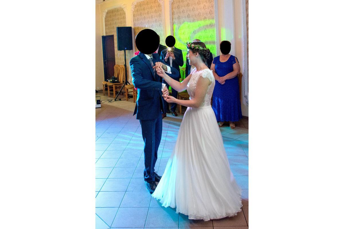 Suknia ślubna Anny Kary