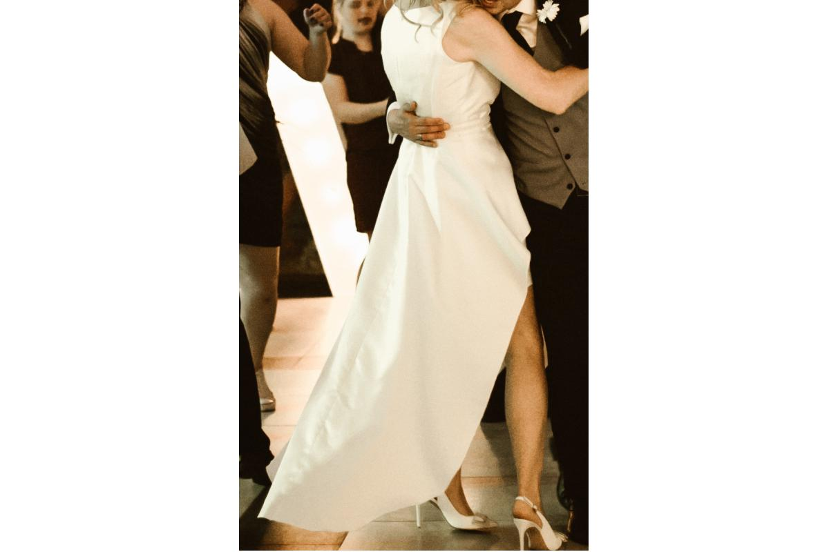 Suknia Ślubna - krótki przód, długi tył