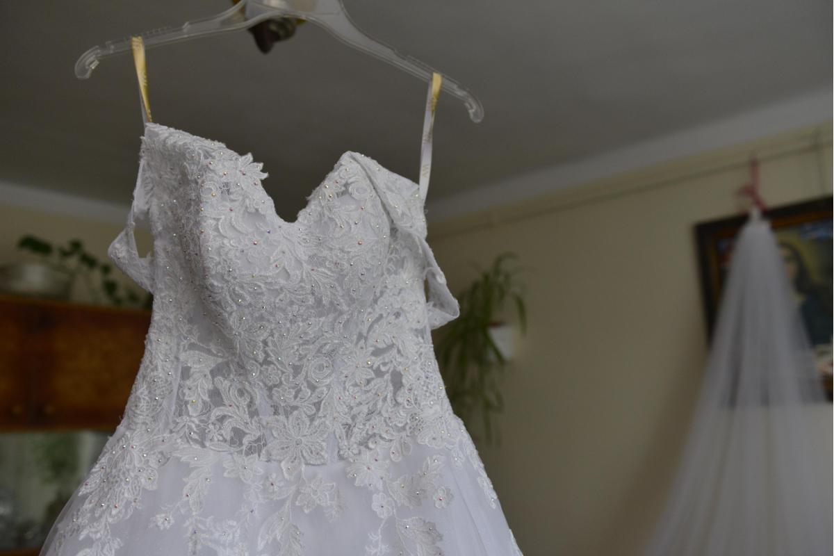 Suknia ślubna typu