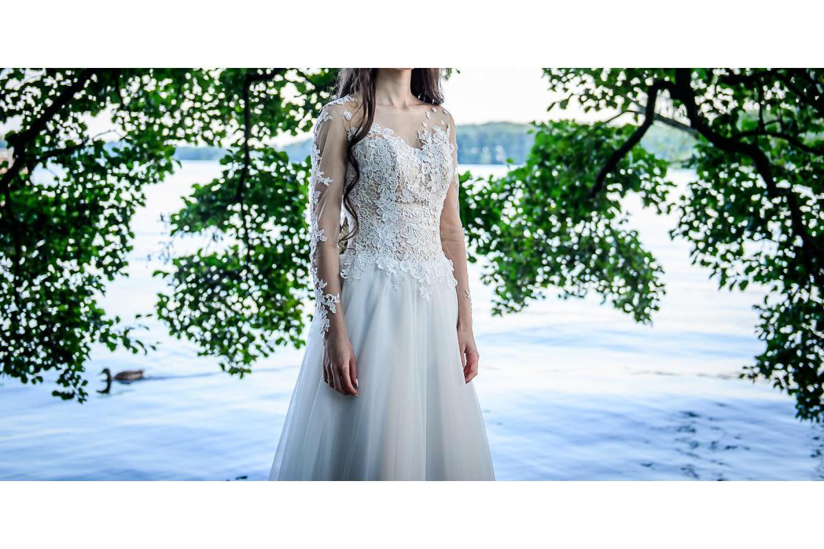 Sprzedam suknię ślubną dla drobnej osoby