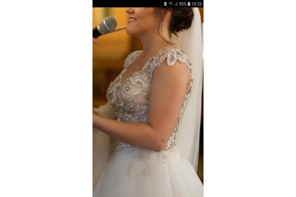 Piekna suknia! Bogaty gorset!