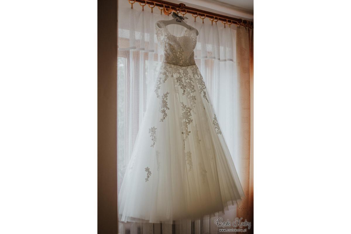 Romantyczna suknia ślubna Sposabella z salonu Madonna