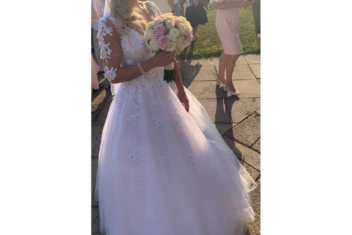 Piekna suknia slubna z Salonu sukien slubnych Bianka