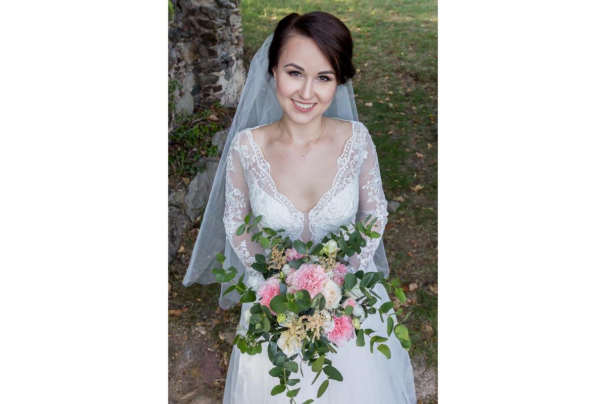 Suknia ślubna z salonu Nicole, rozmiar 34-36,kształt litera A, kość słoniowa