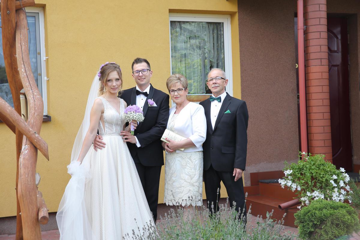 Piękna suknia ślubna z salonu Laura