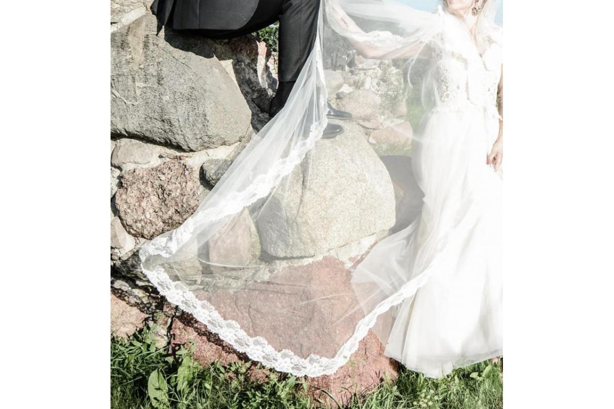 Przepiękna i wygodna suknia ślubna Papilio 1745 Iora