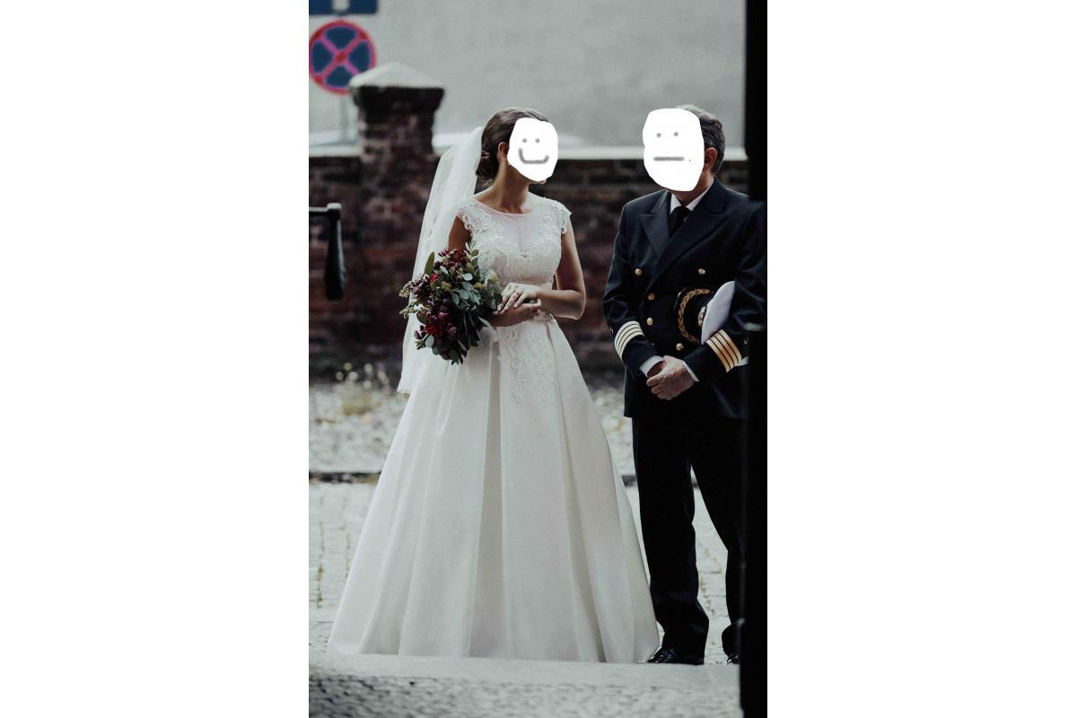 Klasyczna suknia ślubna roz. 38