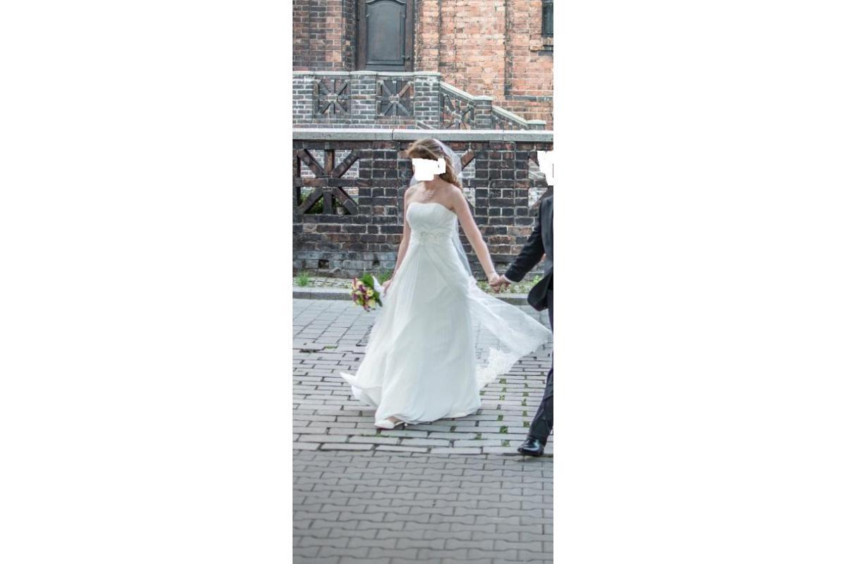 Piękna elegancka suknia firmy Karina w stylu Empire + halka