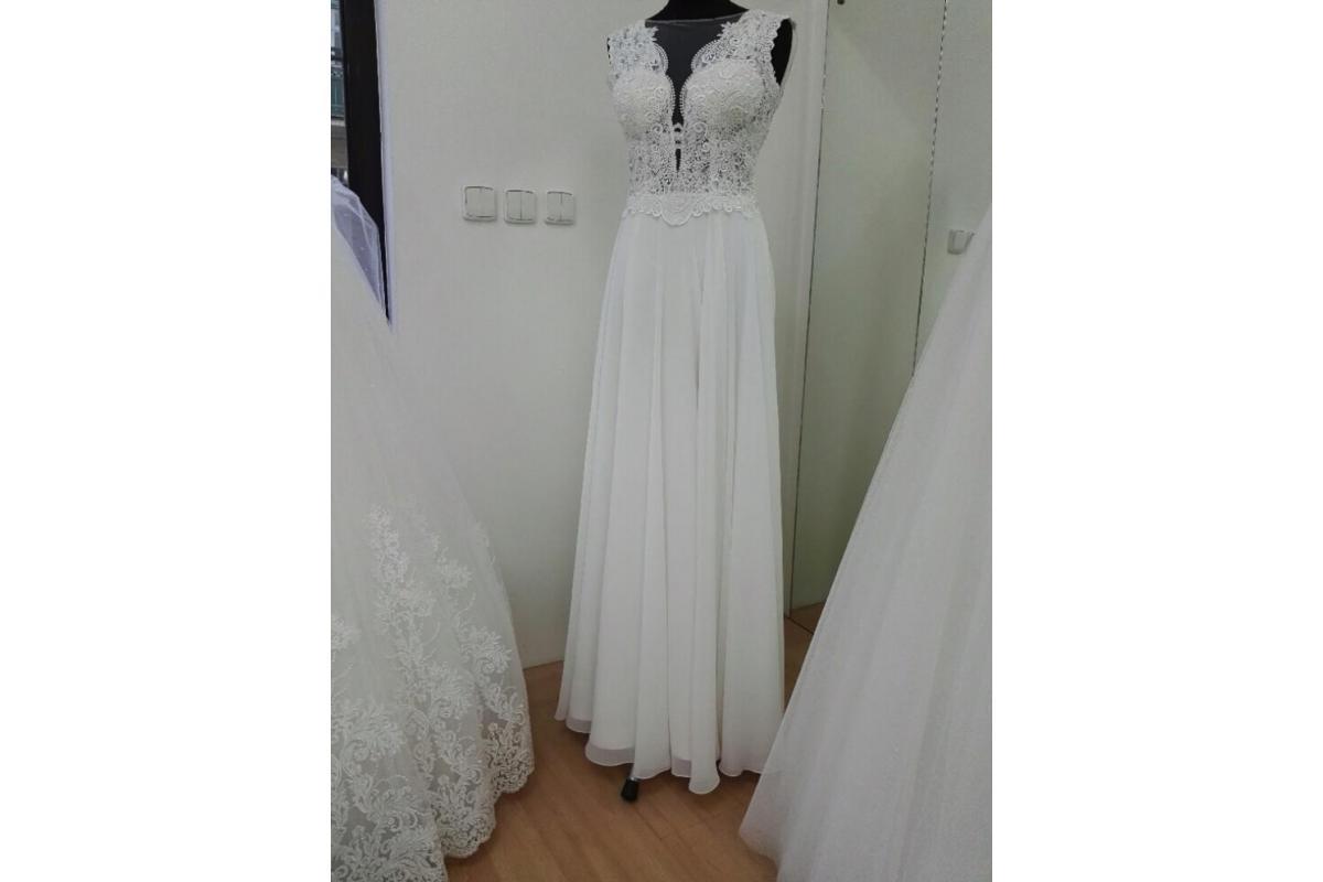 Suknia ślubna rozmiar M, koronkowa
