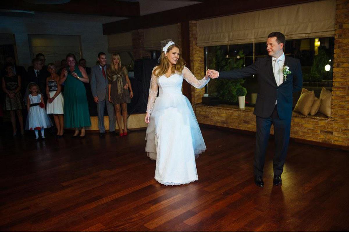 Sprzedam suknię ślubną rozmiar 42 w salonie Papa Michel model Jucar + buty gratis