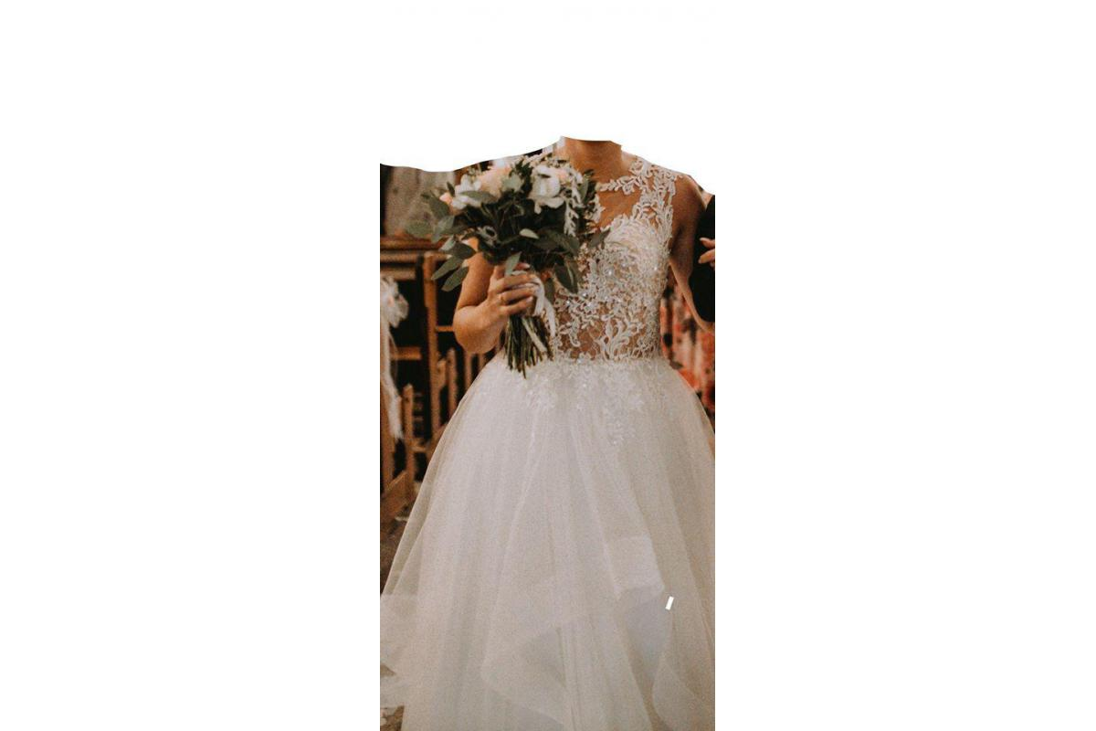 Romantyczna sukienka ślubna w stylu rustykalnym
