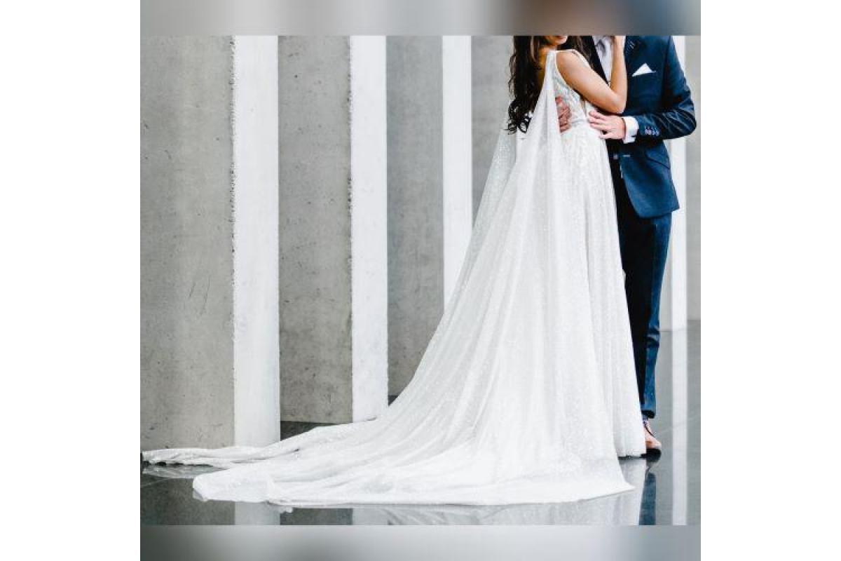 Chcesz wyglądać na ślubie zjawiskowo, olśniewająco, to jest suknia dla Ciebie, rozmiar 36, zakupiona