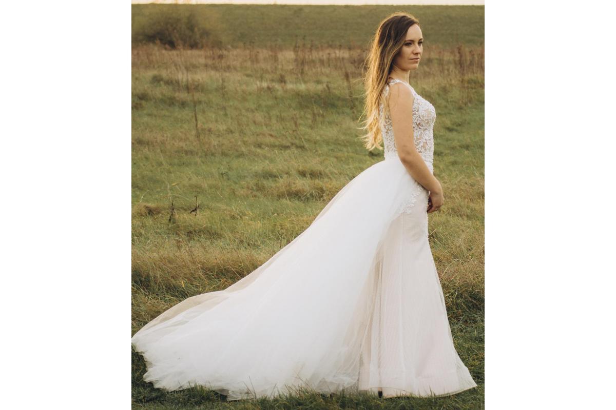 Drogie Przyszłe Panny Młode,  Sprzedam suknię ślubną o kroju ryby.