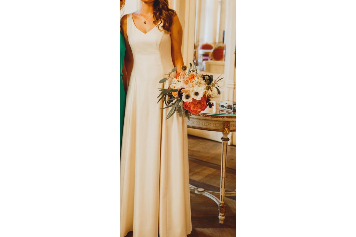 Suknia ślubna z wełnianej tkaniny