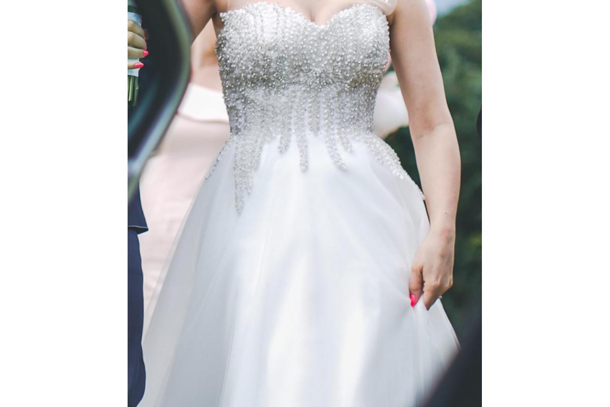 Suknia podkreślająca talię, maskująca brzuch, dodatki GRATIS -50%