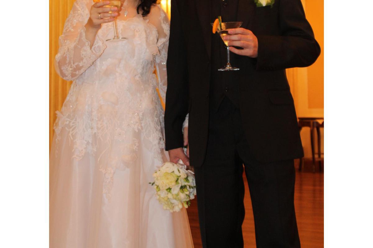 Biała suknia z Domu Mody Papillio rozmiar 42
