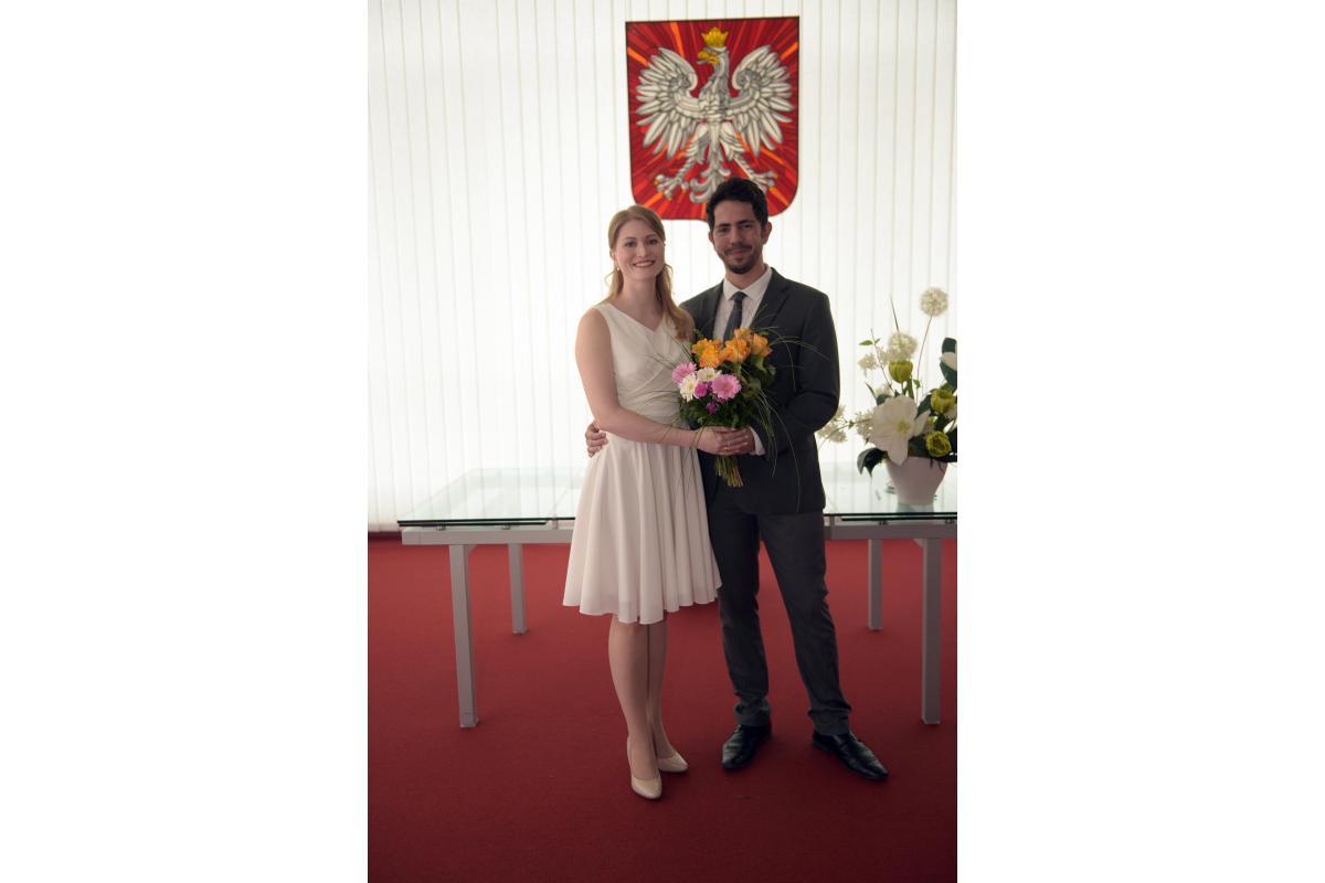 Sukienka kremowa na ślub krótka do kolan wiązana z tyłu M/L
