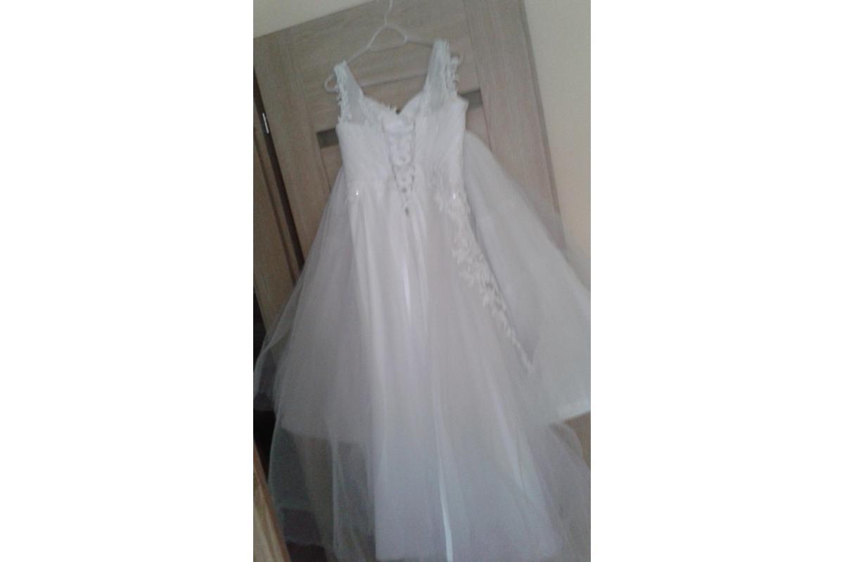 Sprzedam nową piękną suknie ślubną oraz dodatki do sukni